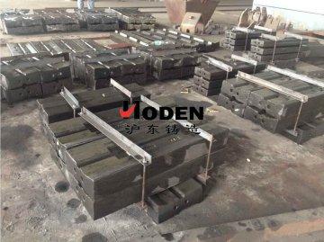 江苏铸造厂家教你在应用板锤的时候需要注意哪